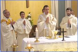 Messe de prémices du Père Hervé GODIN Saint-Pasquier le 27 juin 2016.